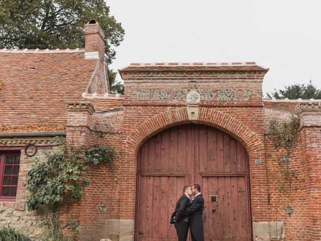Le mariage de Kévin et Cyril à Verneuil-en-Halatte, Oise 13
