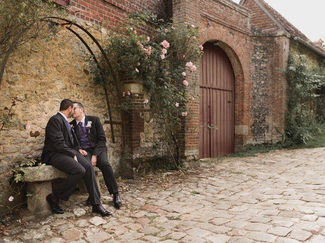 Le mariage de Kévin et Cyril à Verneuil-en-Halatte, Oise 23