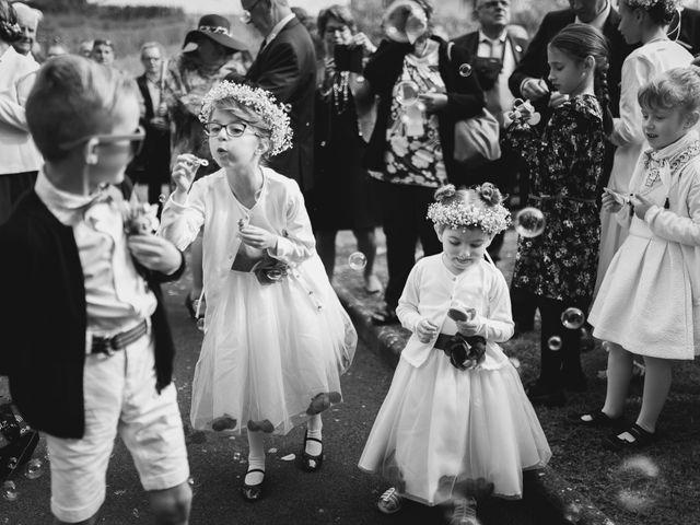 Le mariage de Kévin et Cyril à Verneuil-en-Halatte, Oise 29