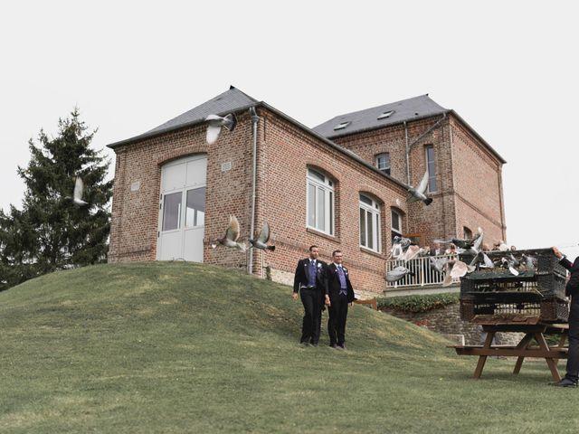 Le mariage de Kévin et Cyril à Verneuil-en-Halatte, Oise 32