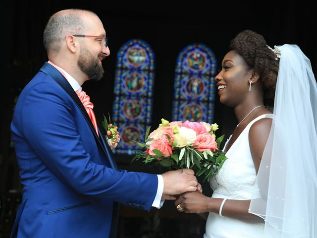 Le mariage de Massira  et Nicolas à Santeny, Val-de-Marne 3