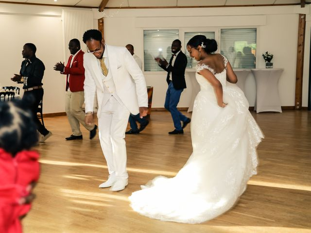 Le mariage de David et Ludmilla à Élancourt, Yvelines 74