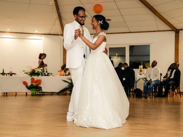 Le mariage de David et Ludmilla à Élancourt, Yvelines 84