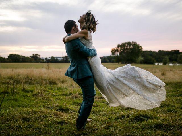 Le mariage de Vincent et Emilie à Chemillé, Maine et Loire 53