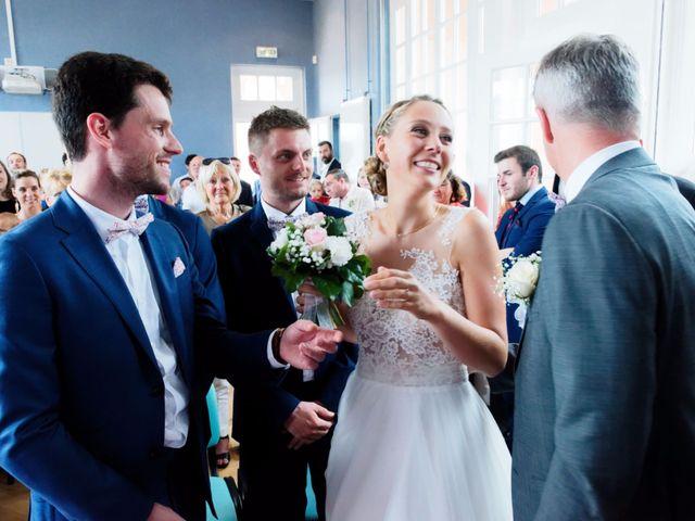Le mariage de Julien et Johanna à Douvres-la-Délivrande, Calvados 15