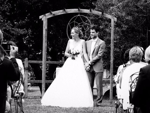 Le mariage de Julien et Johanna à Douvres-la-Délivrande, Calvados 25