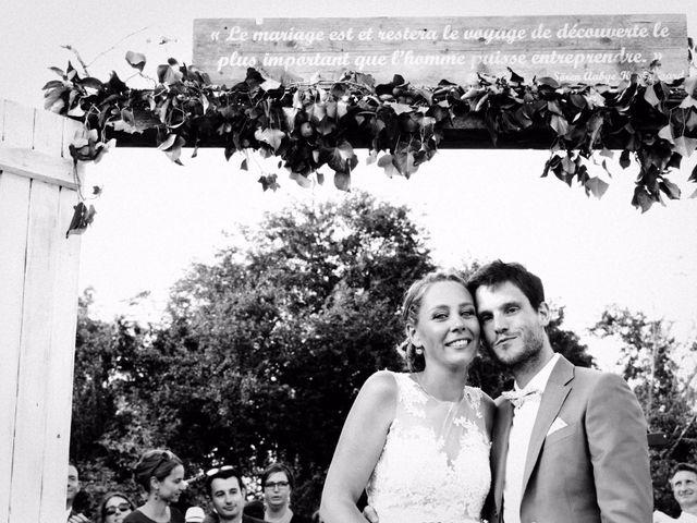 Le mariage de Julien et Johanna à Douvres-la-Délivrande, Calvados 32