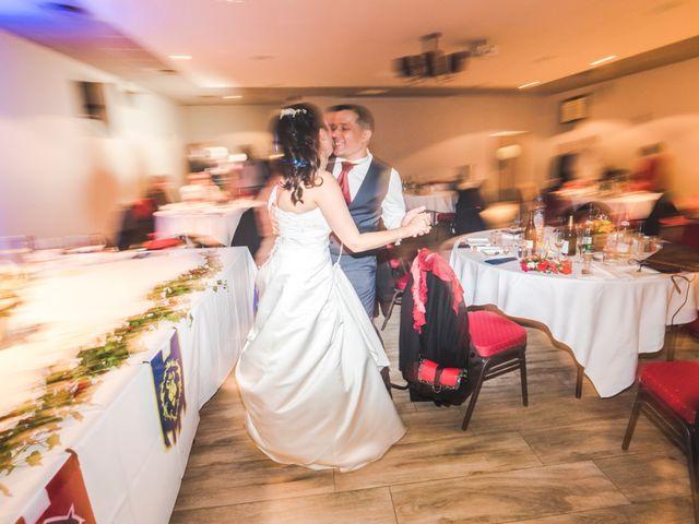 Le mariage de Adrien et Sonia à Auxerre, Yonne 25