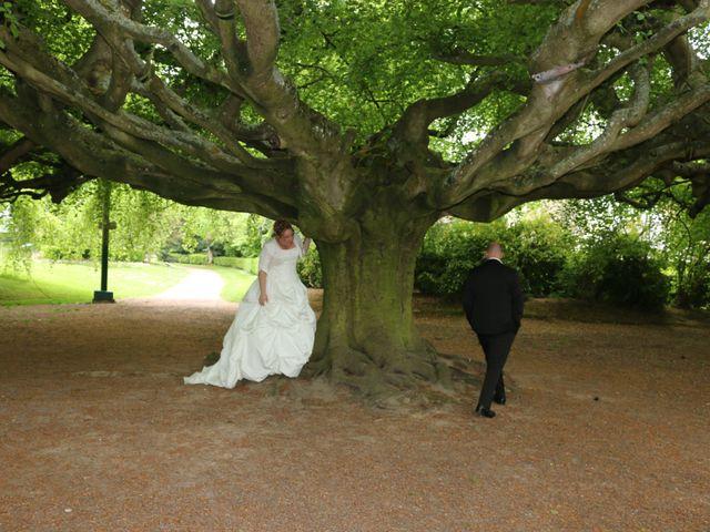 Le mariage de Gregory et Elodie à Bayeux, Calvados 9
