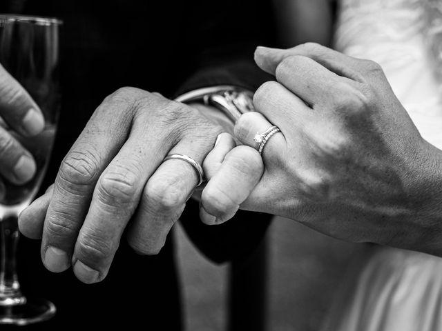Le mariage de Stéphane et Laura à Orgon, Bouches-du-Rhône 40