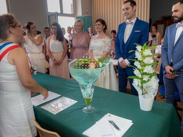 Le mariage de Julien et Anne-Sophie à Vallon-en-Sully, Allier 2