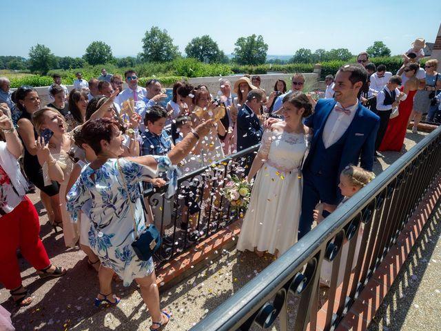 Le mariage de Julien et Anne-Sophie à Vallon-en-Sully, Allier 4