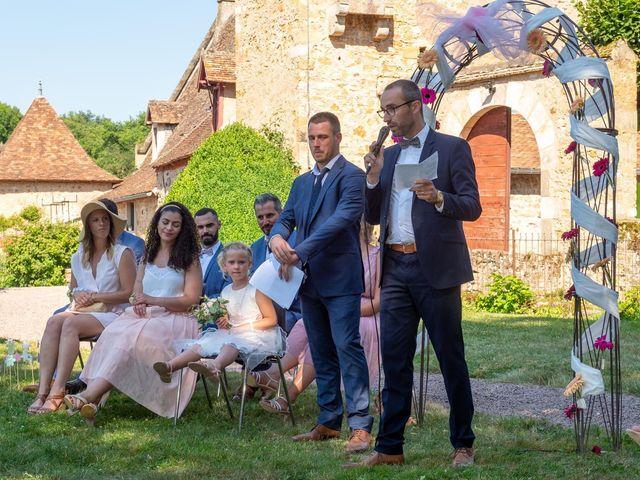 Le mariage de Julien et Anne-Sophie à Vallon-en-Sully, Allier 15