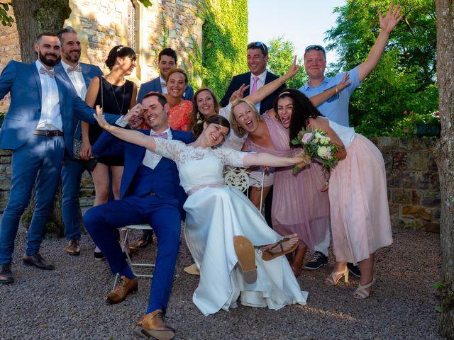 Le mariage de Julien et Anne-Sophie à Vallon-en-Sully, Allier 23
