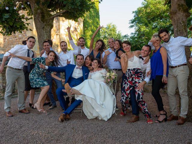 Le mariage de Julien et Anne-Sophie à Vallon-en-Sully, Allier 26