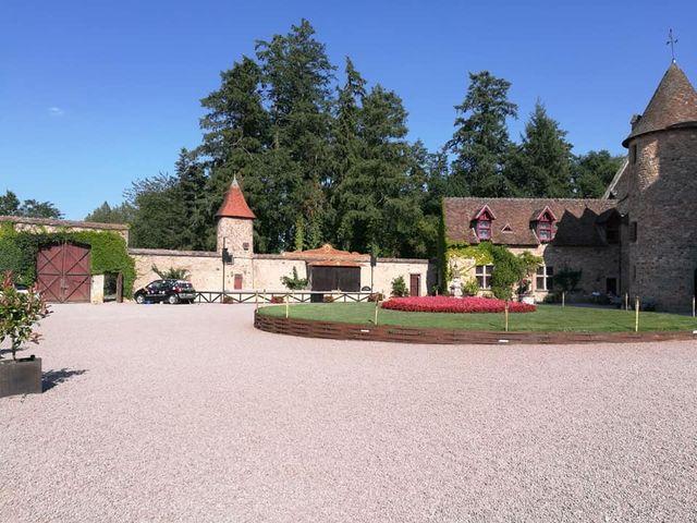 Le mariage de Julien et Anne-Sophie à Vallon-en-Sully, Allier 35