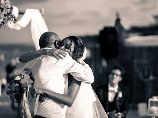 Le mariage de Yann et Nesrine à Saint-Raphaël, Var 21