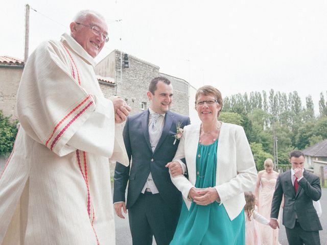 Le mariage de Matthieu et Lise à Lusignan, Vienne 35