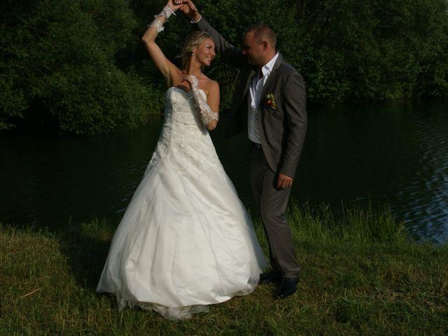 Le mariage de Clement et Ophelia à Bethoncourt, Doubs 12