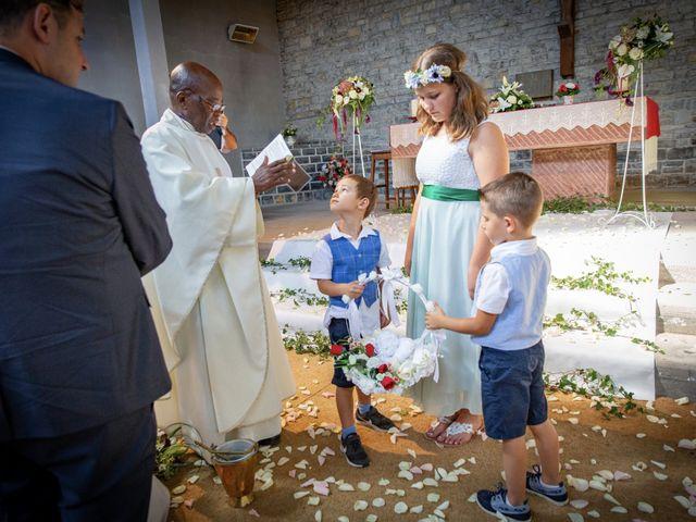 Le mariage de Philippe et Elsa à Laval-de-Cère, Lot 32