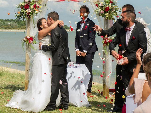 Le mariage de Mathieu et Lina à Île d'Aix, Charente Maritime 27