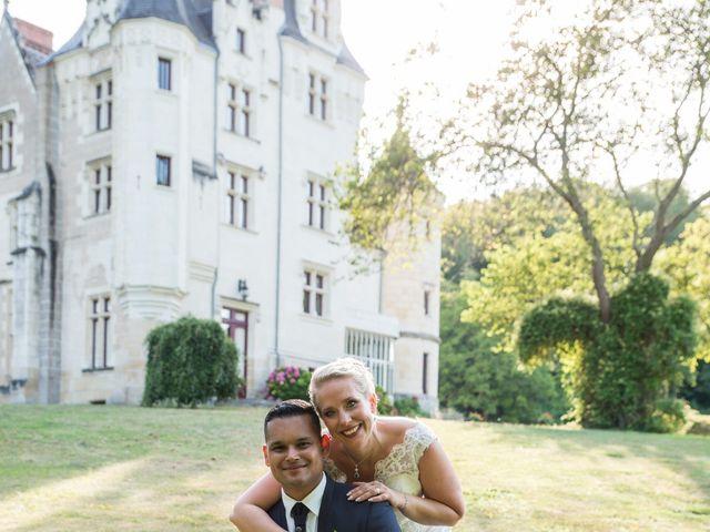 Le mariage de Grégory et Anne-Sophie à Noyant-de-Touraine, Indre-et-Loire 44