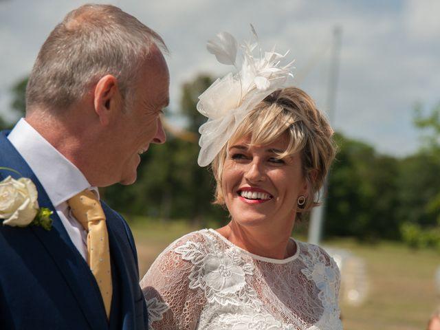 Le mariage de Tony et Cathy à Marennes, Charente Maritime 16