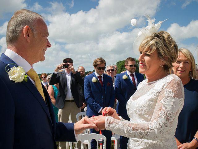 Le mariage de Tony et Cathy à Marennes, Charente Maritime 18