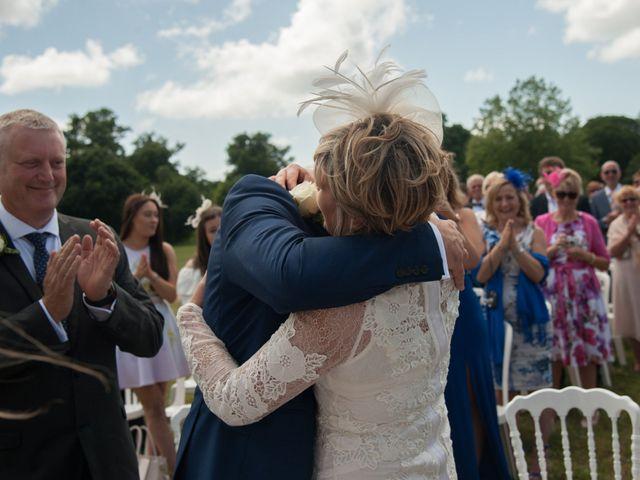Le mariage de Tony et Cathy à Marennes, Charente Maritime 22