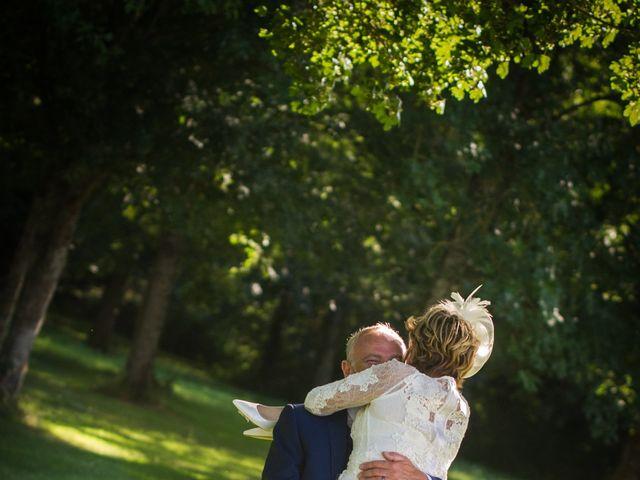 Le mariage de Tony et Cathy à Marennes, Charente Maritime 36