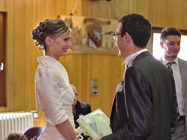Le mariage de Bastien et Caroline à Sury-le-Comtal, Loire 9