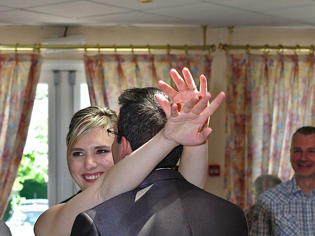 Le mariage de Bastien et Caroline à Sury-le-Comtal, Loire 25