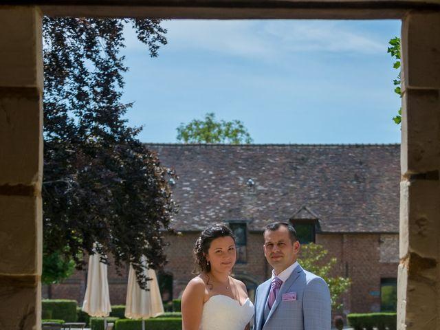 Le mariage de Victor et Elodie à Saint-Omer-en-Chaussée, Oise 11