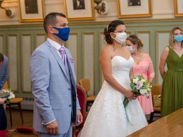 Le mariage de Victor et Elodie à Saint-Omer-en-Chaussée, Oise 16
