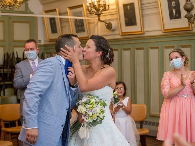 Le mariage de Victor et Elodie à Saint-Omer-en-Chaussée, Oise 17