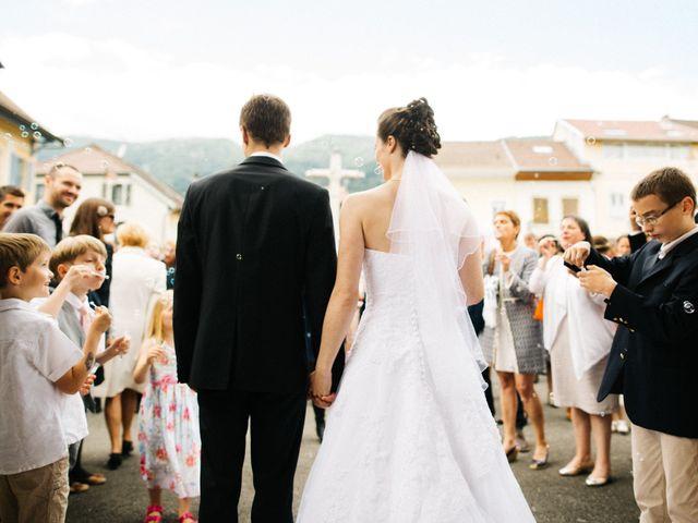 Le mariage de Jean-Marie et Hélène à Thoiry, Ain 1