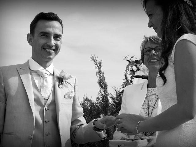 Le mariage de Maxime et Diana à Sainte-Honorine-du-Fay, Calvados 54