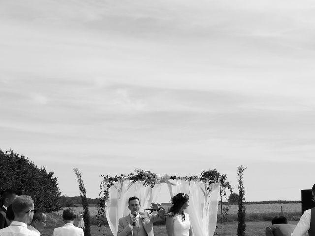 Le mariage de Maxime et Diana à Sainte-Honorine-du-Fay, Calvados 56