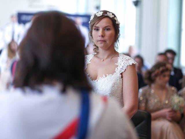 Le mariage de Clement et Emilie à Chaumont-en-Vexin, Oise 1