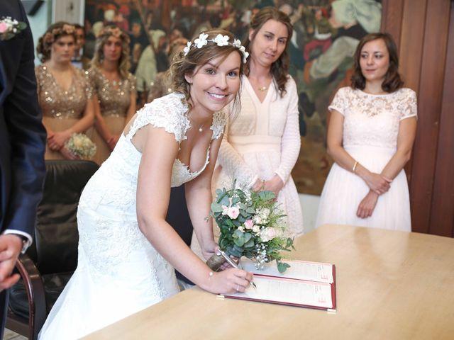 Le mariage de Clement et Emilie à Chaumont-en-Vexin, Oise 14