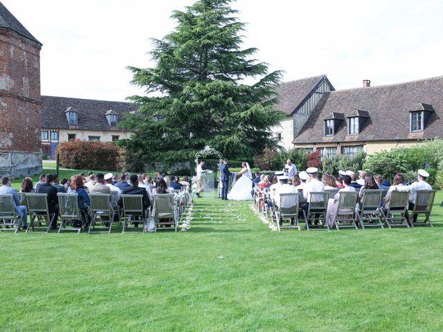 Le mariage de Clement et Emilie à Chaumont-en-Vexin, Oise 22