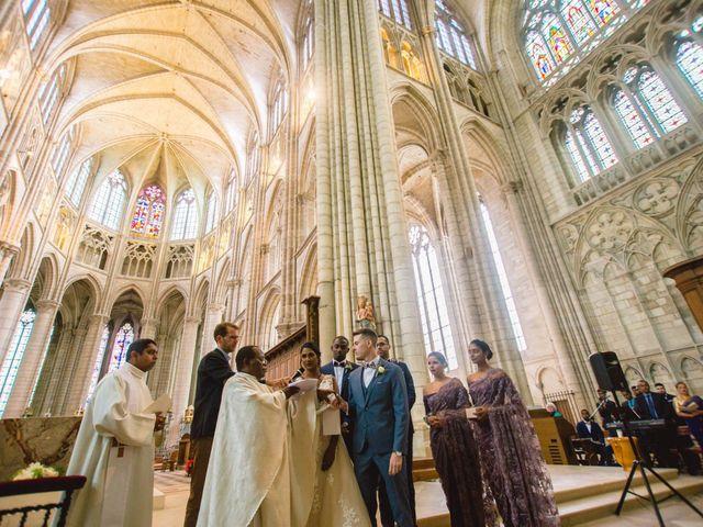 Le mariage de Alexis et Jayanie à Paris, Paris 30