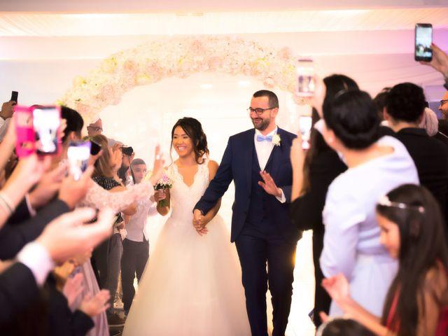Le mariage de Mounir et Phimsuda à Décines-Charpieu, Rhône 32