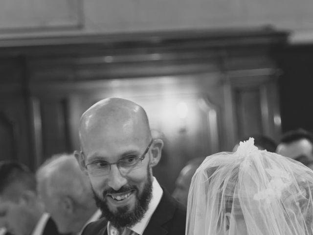 Le mariage de David et Isabel à Paris, Paris 15