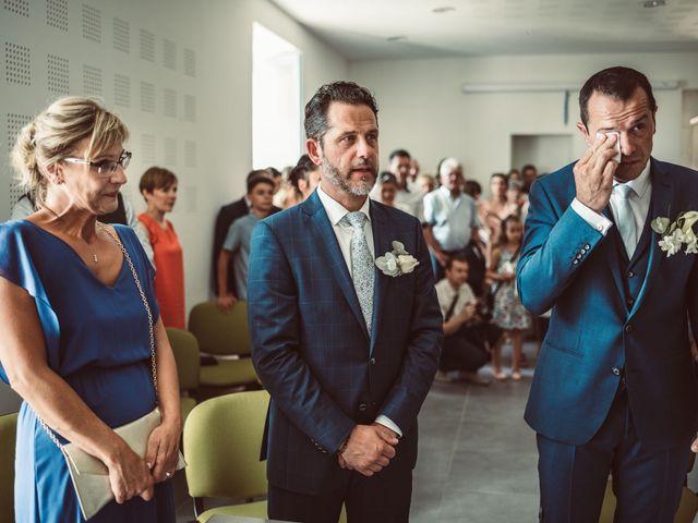 Le mariage de Cédric et Céline à Villetoureix, Dordogne 12
