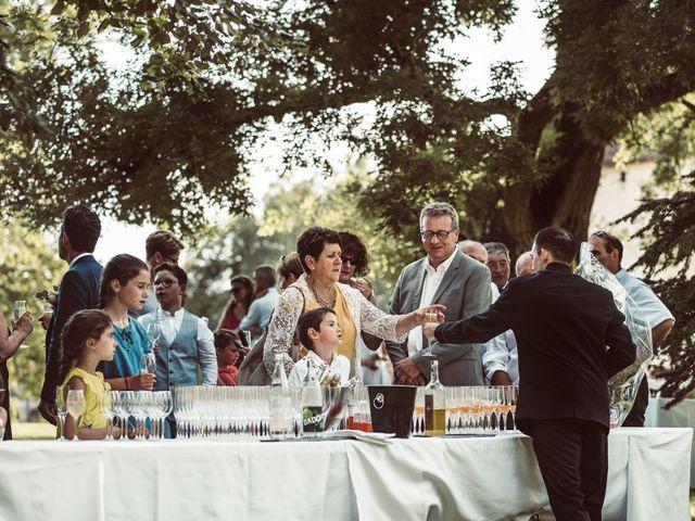 Le mariage de Cédric et Céline à Villetoureix, Dordogne 30