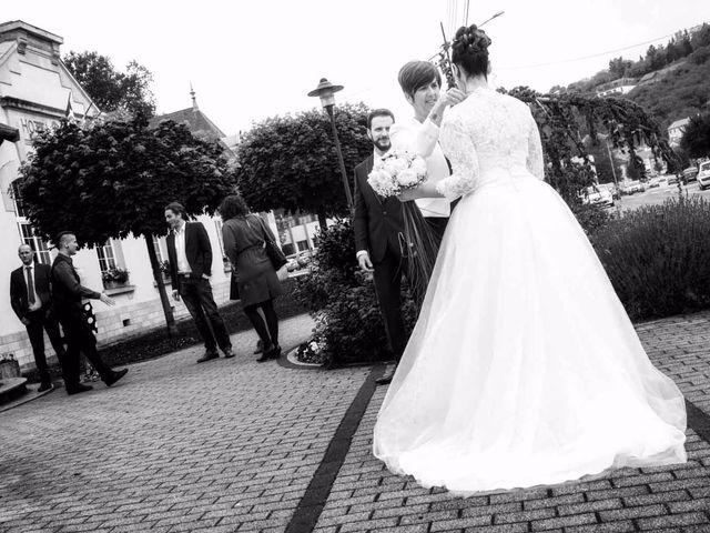 Le mariage de Emily et Kevin à Belleville-sur-Meuse, Meuse 1