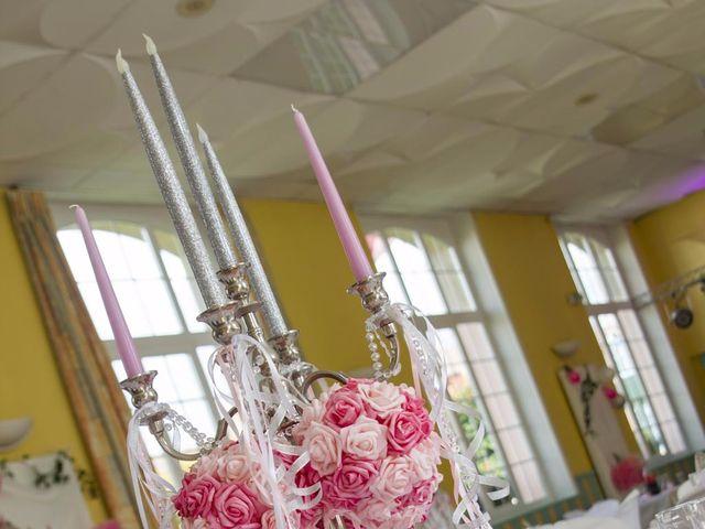 Le mariage de Emily et Kevin à Belleville-sur-Meuse, Meuse 14