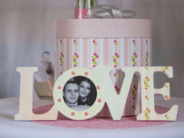 Le mariage de Emily et Kevin à Belleville-sur-Meuse, Meuse 16
