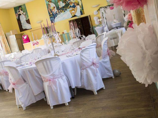 Le mariage de Emily et Kevin à Belleville-sur-Meuse, Meuse 18